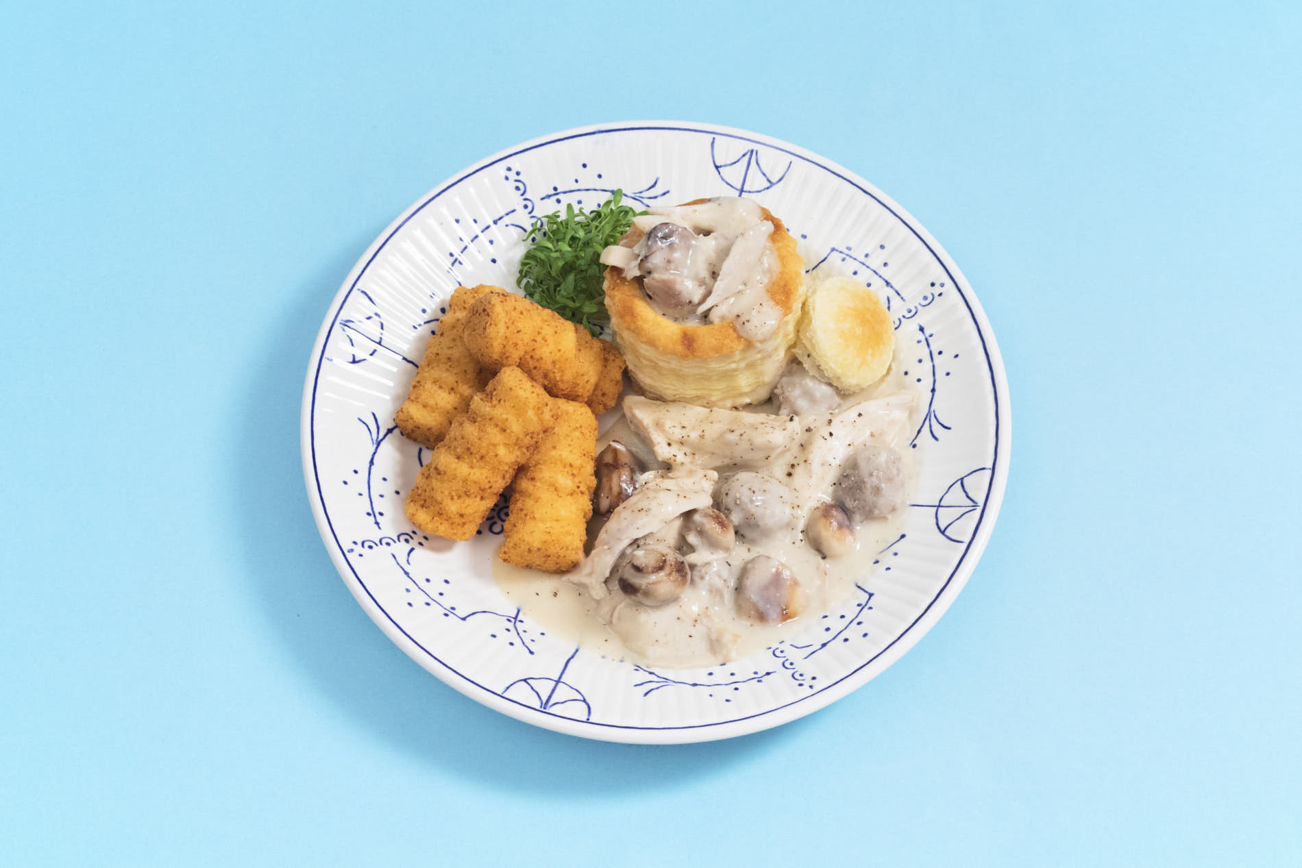 oldschool style plate with vol-au-vent and croquettes